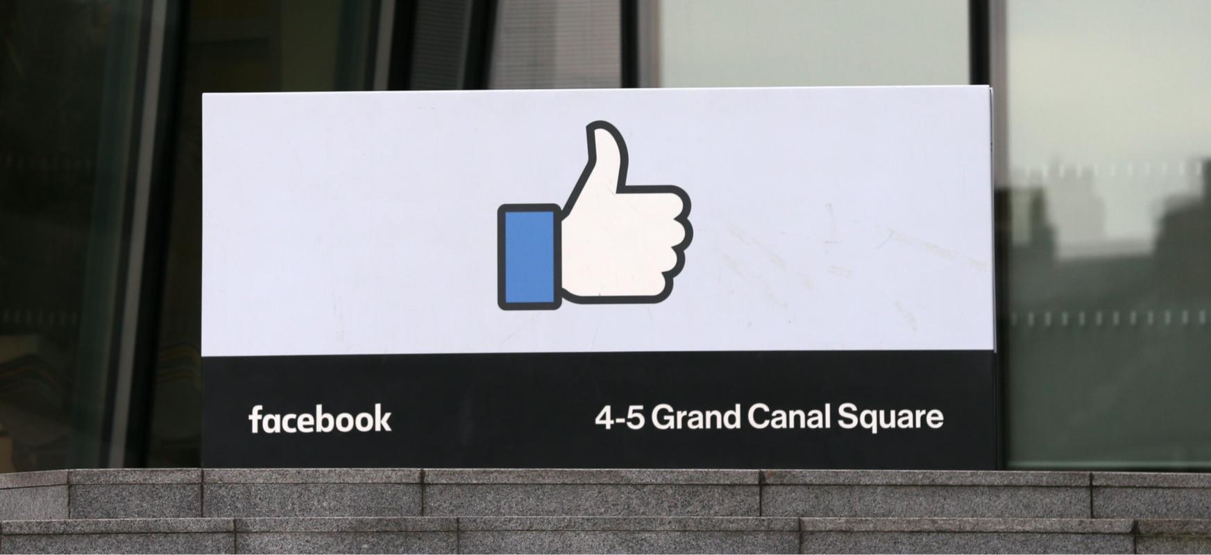 Messenger eta WhatsApp setiopean daude, baina Facebook ez dago pozik gorakada horiekin