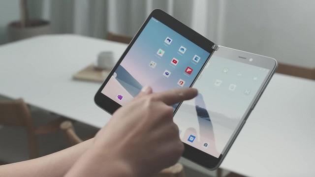 Microsoft Surface Duo uste baino lehenago estreinatuko da