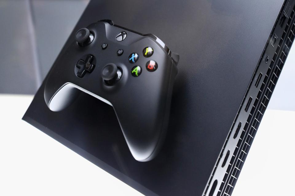 Microsoft-etik 2 Xbox kontsola berria dator!
