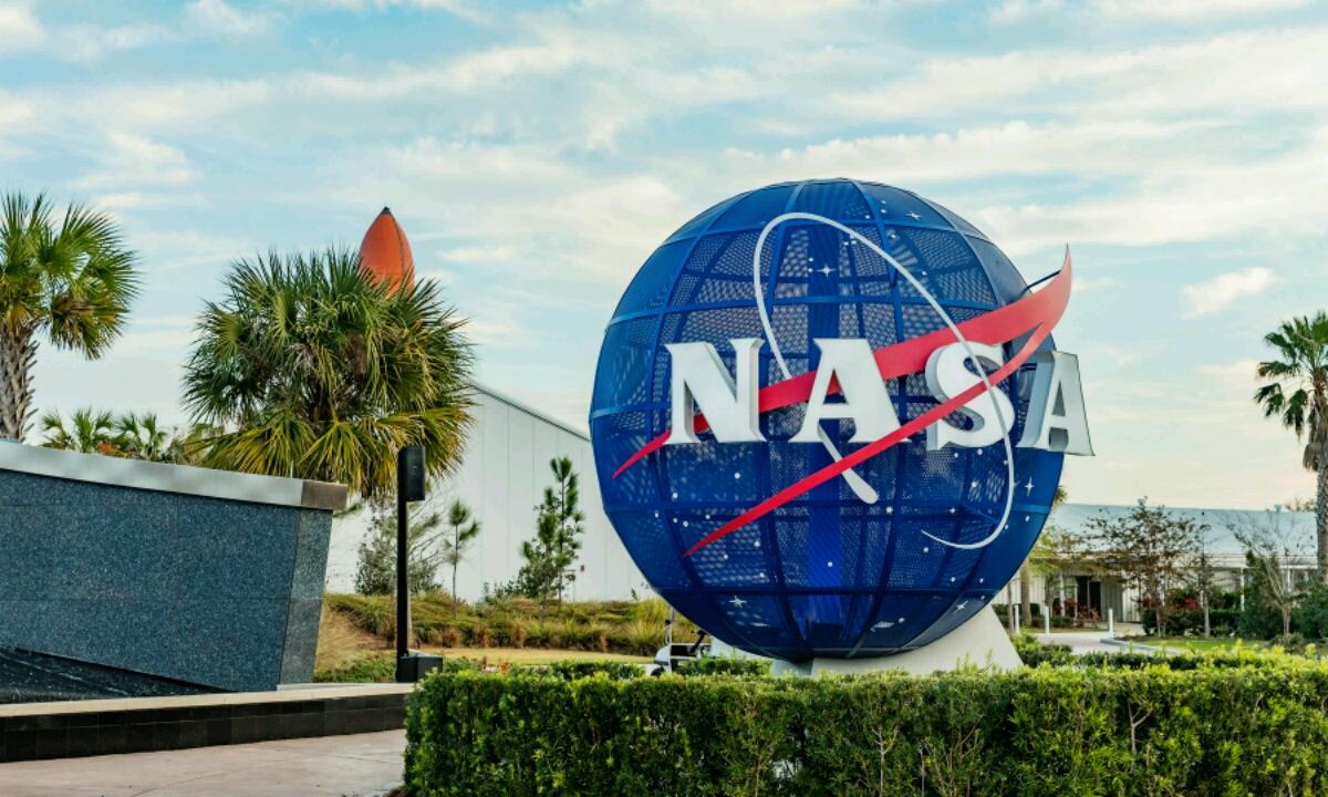 NASAk, piratekin arazoak izan zituenean, berriro eraso zuten
