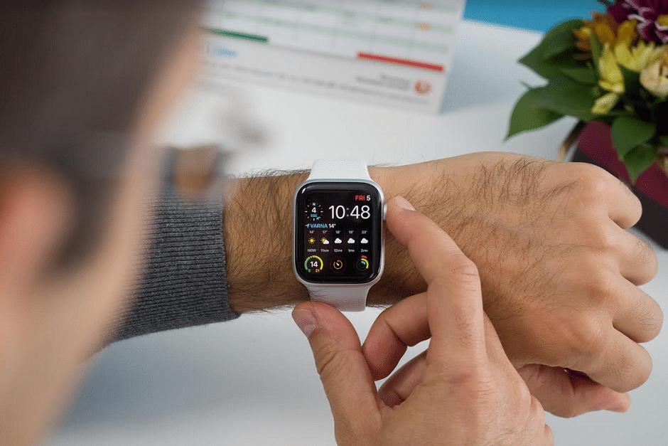 Nola aktibatu pedometroa Apple Watch