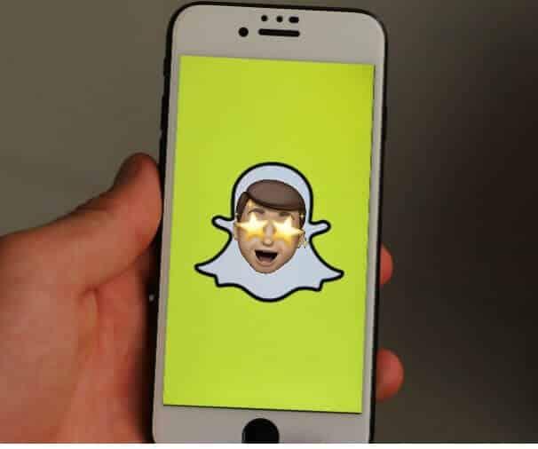 Nola erabili Memoji eranskailuak Snapchat-eko txatetan