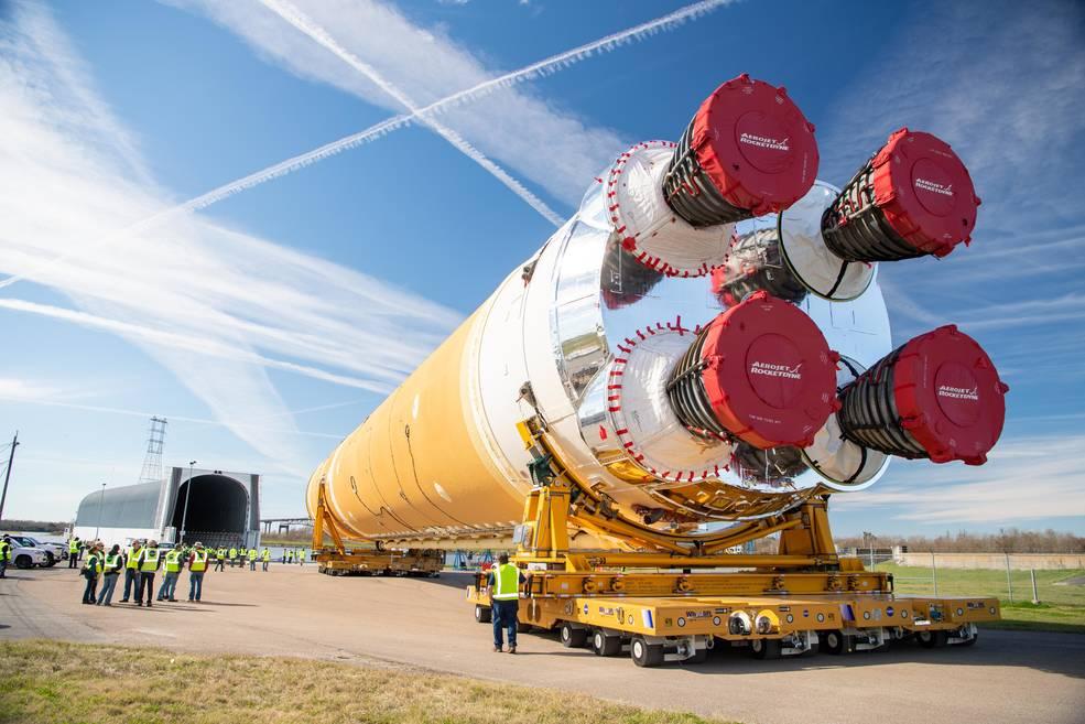 Główny człon rakiety SLS