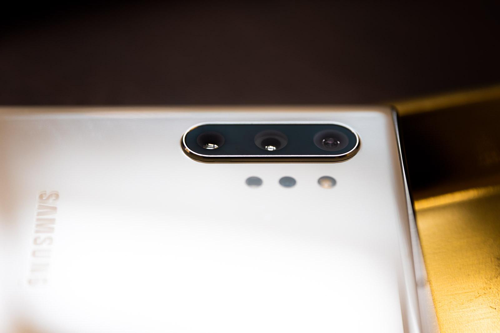 Samsung-ek matrize bat erakutsi zuen 108 megapixeleko bereizmenarekin.  Laster smartphonesetara joango da