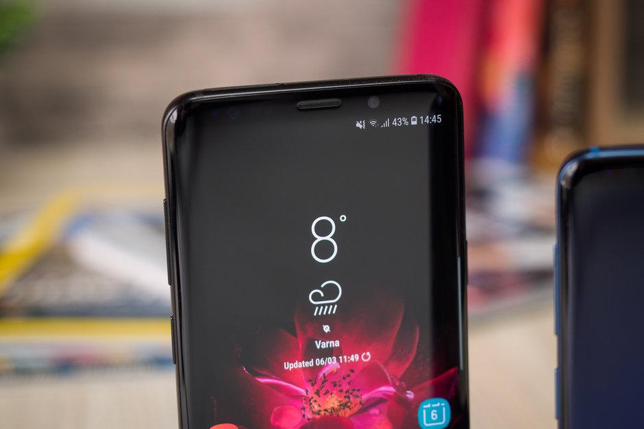 Samsung-en pantaila makurduraren diseinua orokorrean zabalduko da