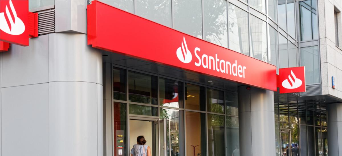 Santander arazoak ditu.  Bankuak aplikazio mugikor batera aldatzeko gomendatzen dizu