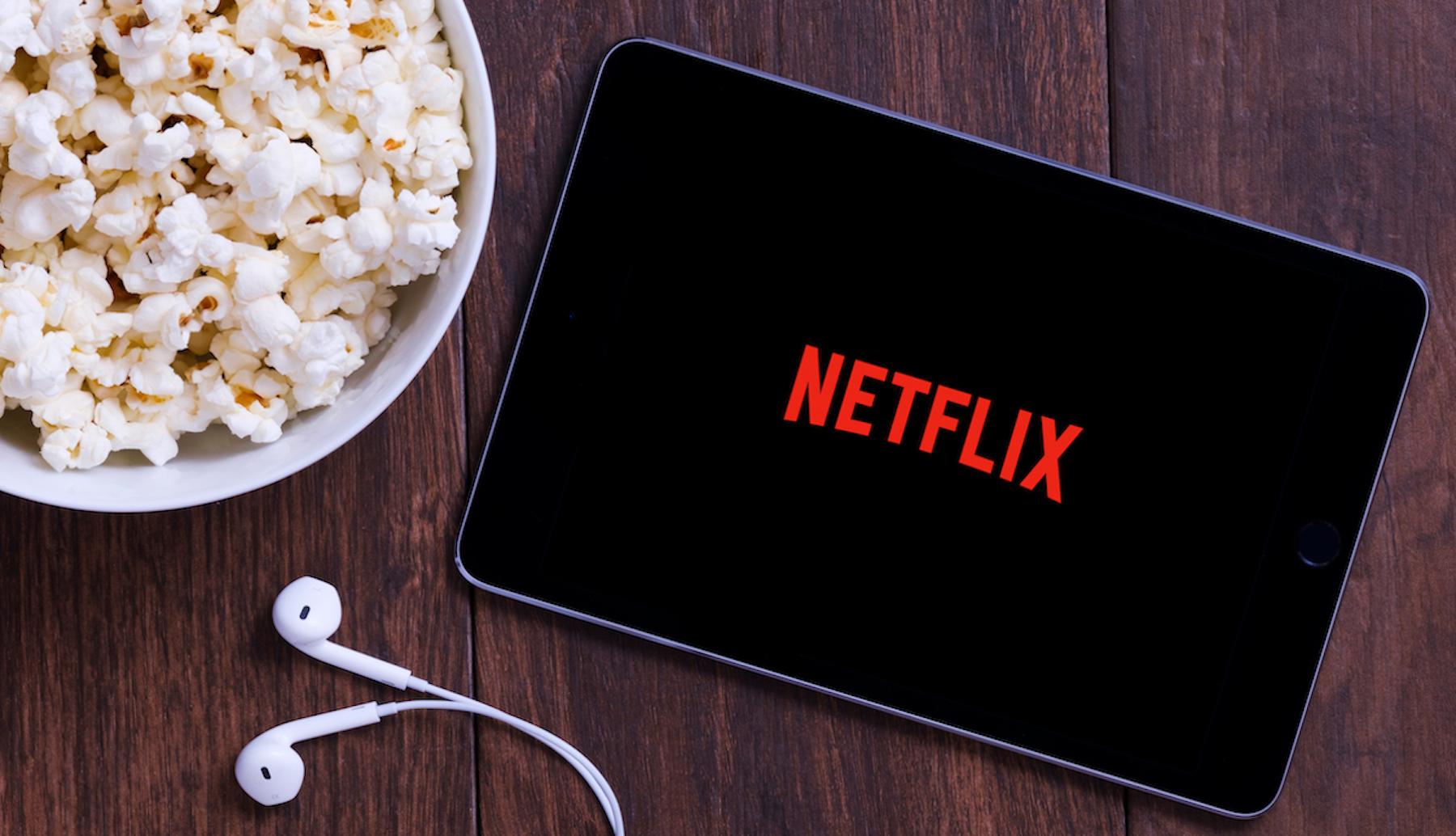 Sorpresa polita T-Mobile-en partetik.  Netflix-ek T-Mobile M-n kuota gehigarririk gabe urte erdi batez