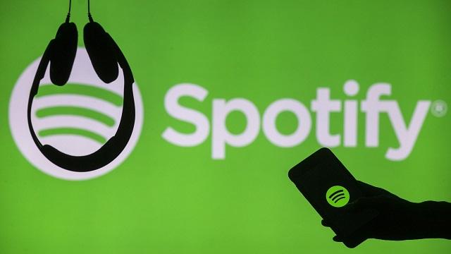 Spotify denbora errealean abestien hitzak erakusteko funtzioarekin