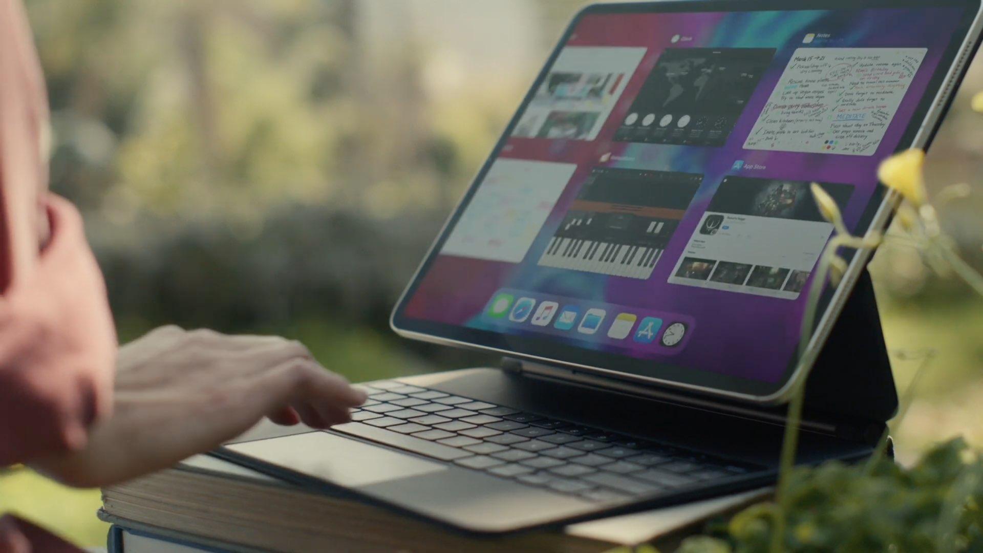 Telefono dirua saltzen duen iPad Pro teklatua zarata handia ari da egiten!