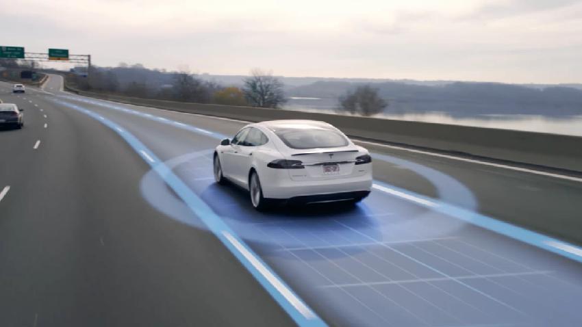 Tesla gidatze autonomoaren funtzioa garestitu egin da