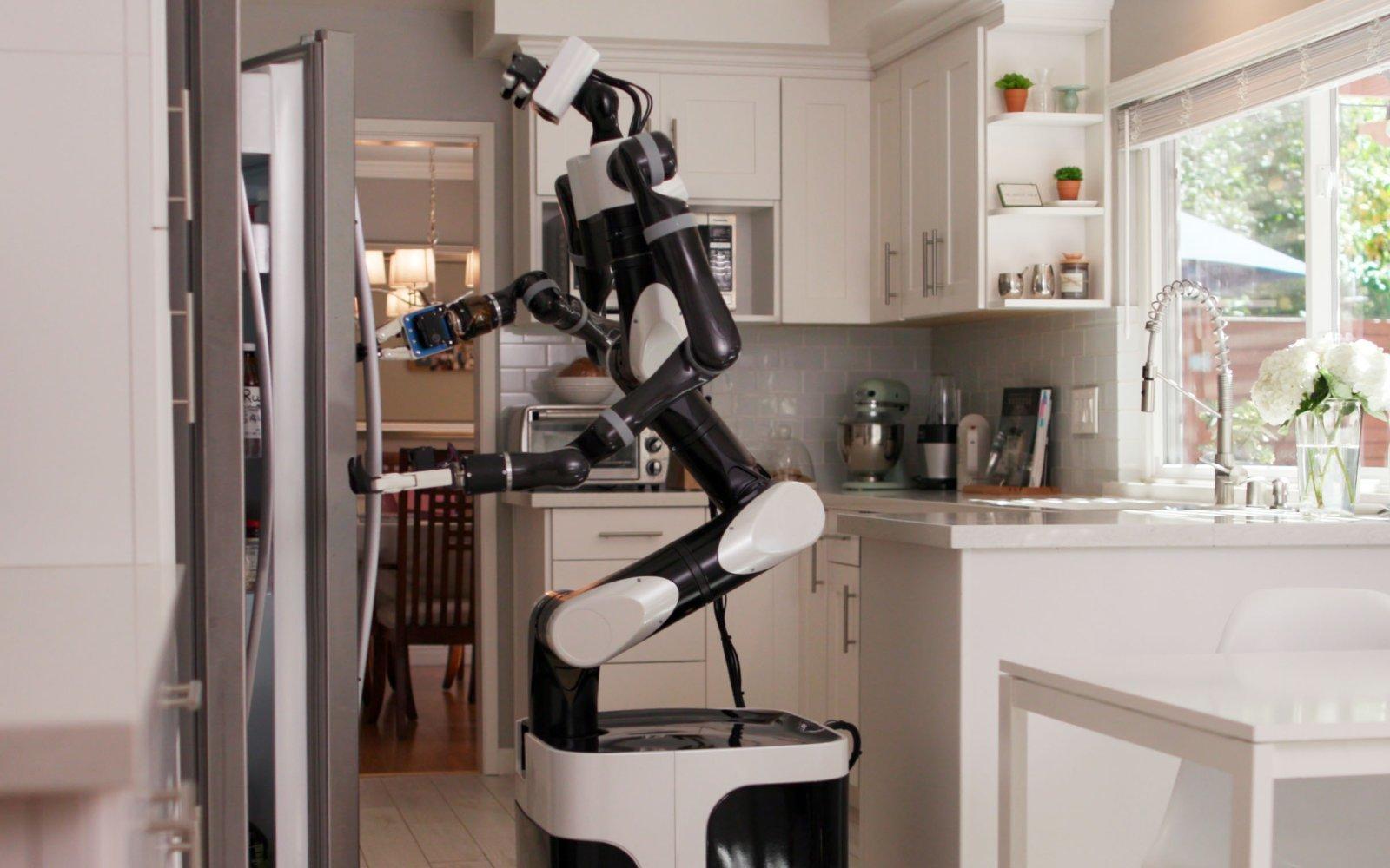 Toyotak adimen artifiziala etxeko robotak entrenatzen ditu