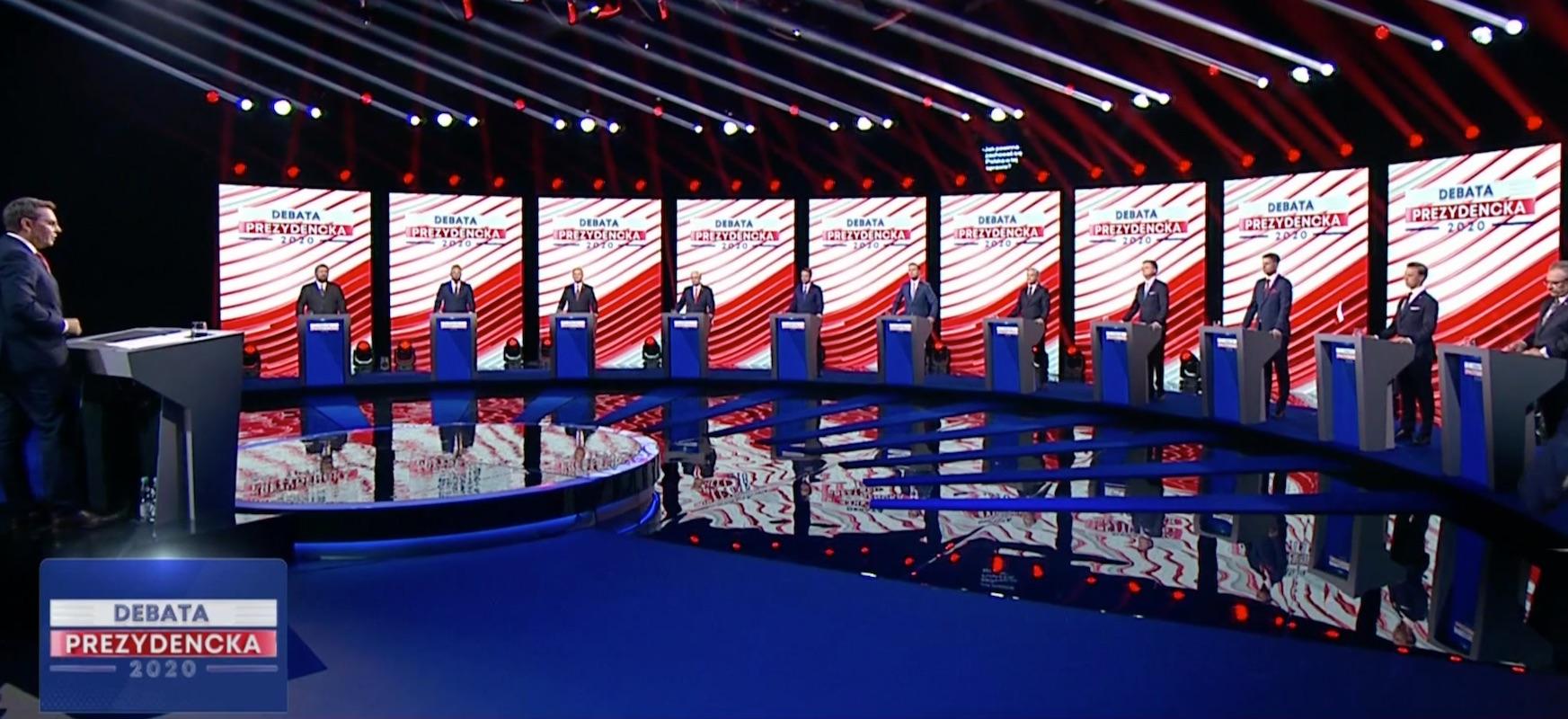 """Trzaskowskik irabazi zuen eztabaida.  TVPren erantzun azkarra: """"zunda baliogabea da, boten korrontea atzeman dugu"""""""