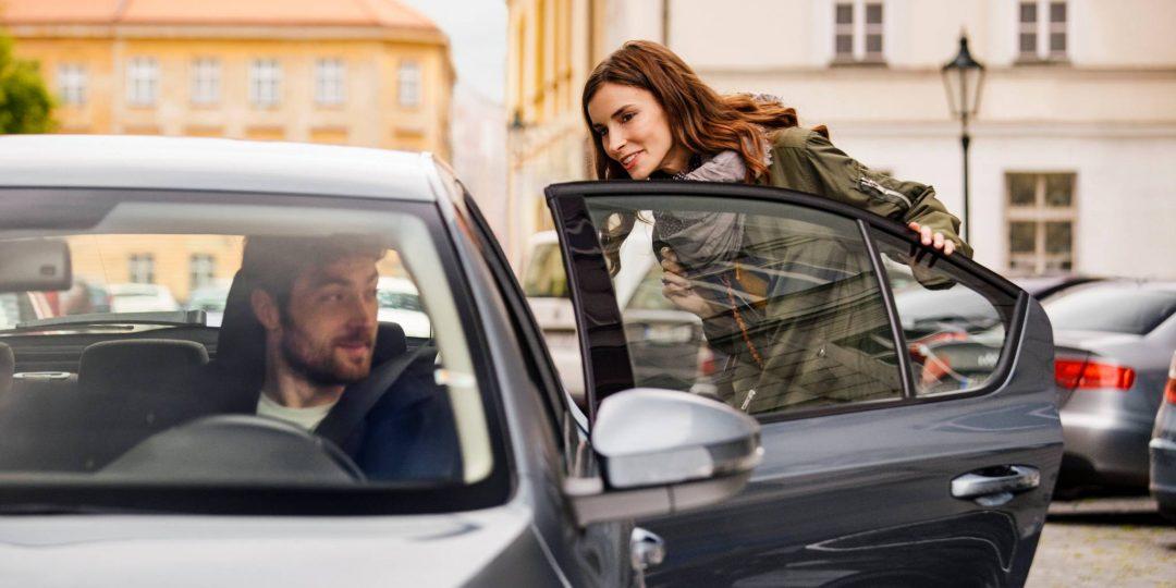Uber bidaiariek audioa grabatzeko aukera izango dute