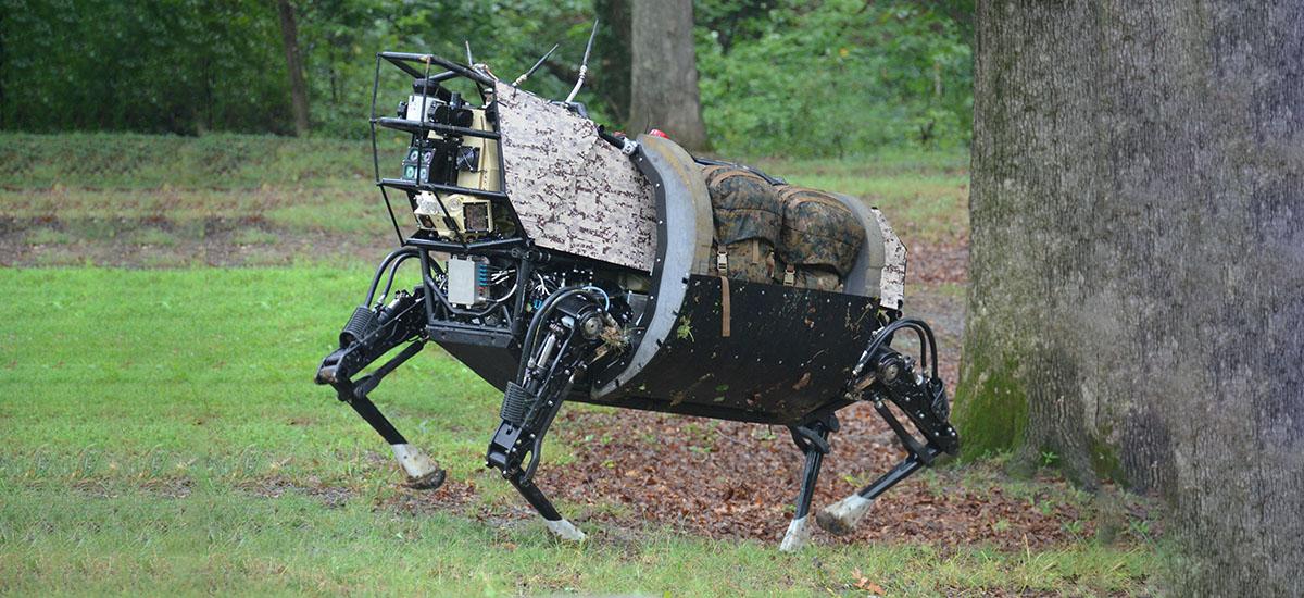 Zenbait deseroso sentitzen dira robot horiei begira.  Boston Dynamics - benetako istorioa