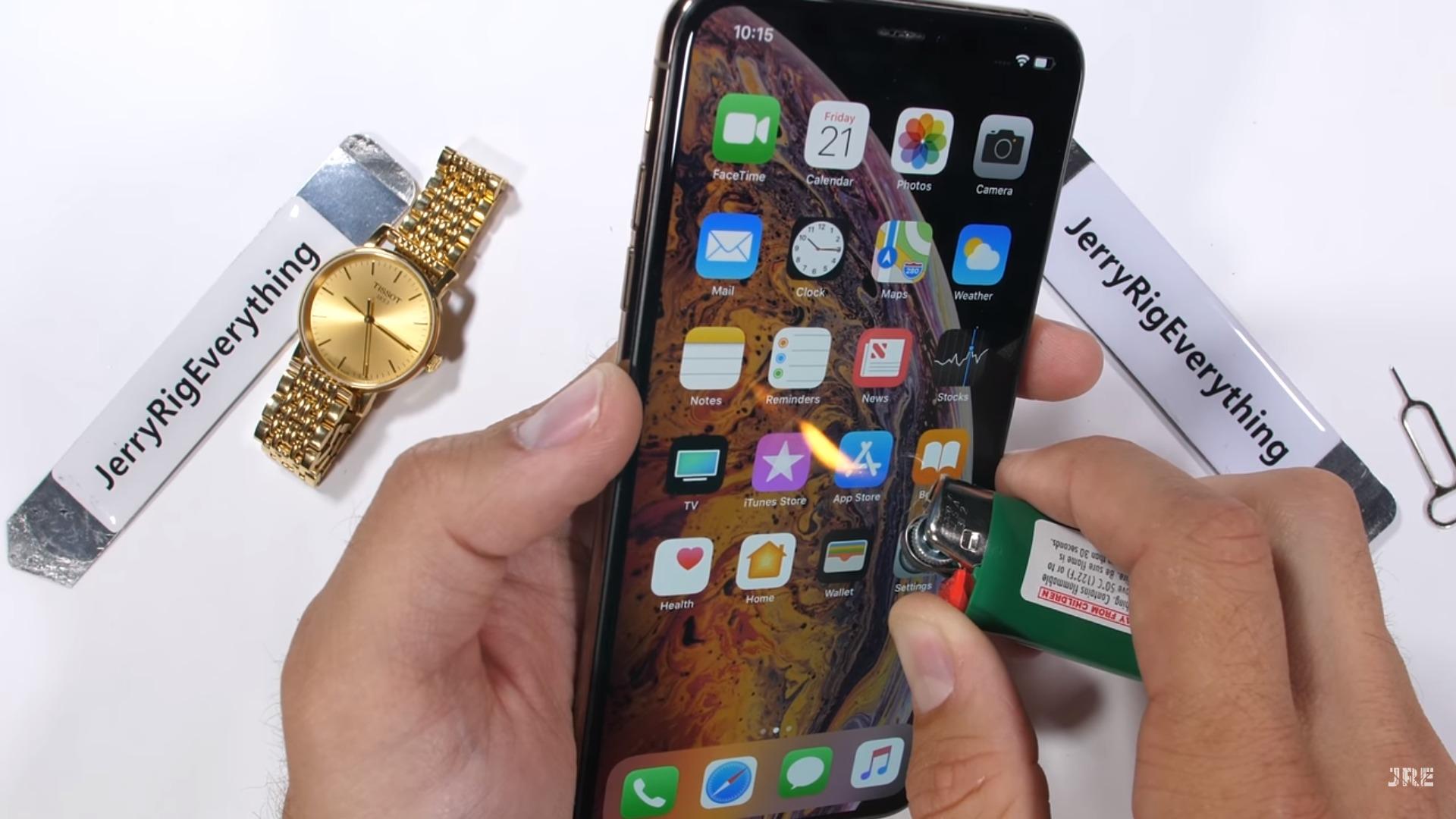 Zenbat da iraunkorra iPhone Xs Max?  Hemen duzu ehotzeko zaporea probatzeko proba!