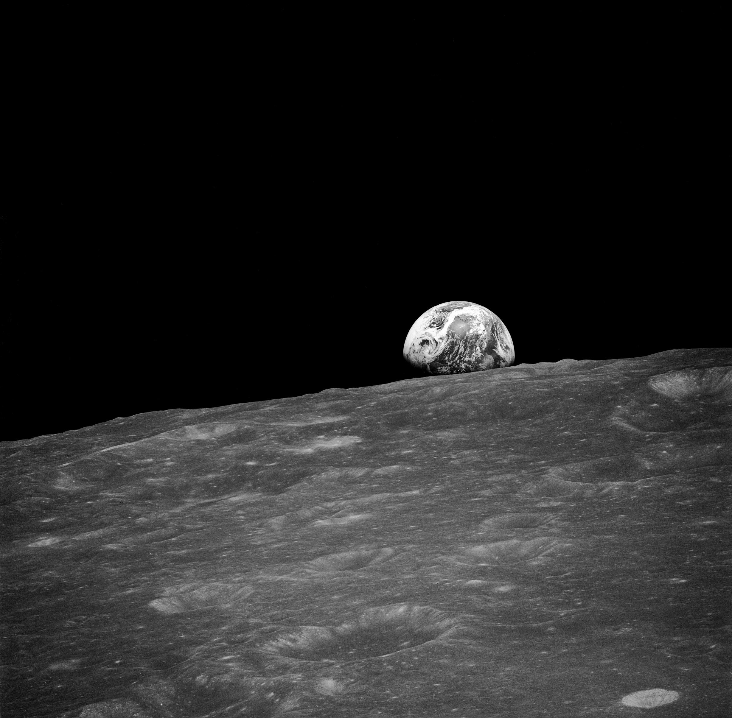 Zer ikusi zuten Apollo 13 misioko astronautek ilargiaren alde ikusezinetan?  Orain zeure burua ikus dezakezu