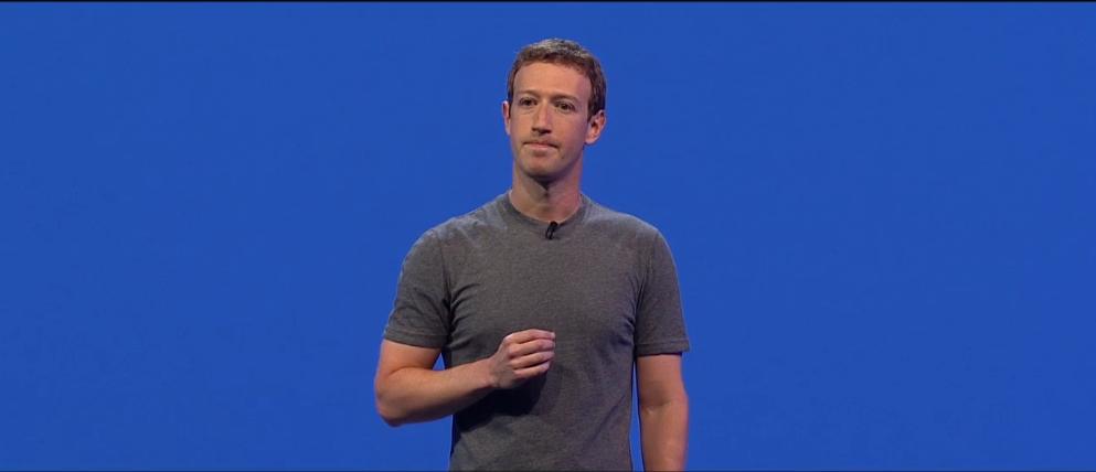 Zuckerberg-ek Instagram, Messenger eta WhatsApp integratu nahi ditu.  Politikariek hori eragotzi dezakete